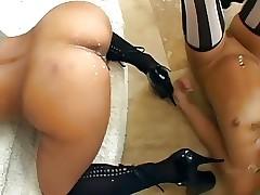 Trio video nudi - trio lesbico xxx