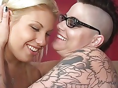Tattoo porno videos - lesbische ficken
