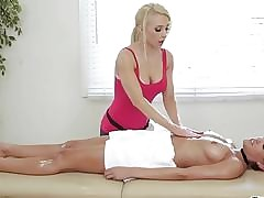 Oiled porn tube - sexy lesbian pussy